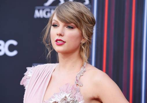 Taylor Swift Net Worth: Biography, Career & Facts